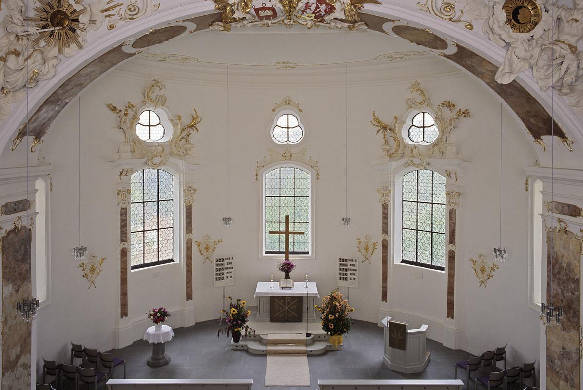 Blick in den Altarraum der Schlosskapelle; Foto: Landesmedienzentrum, Urheber unbekannt
