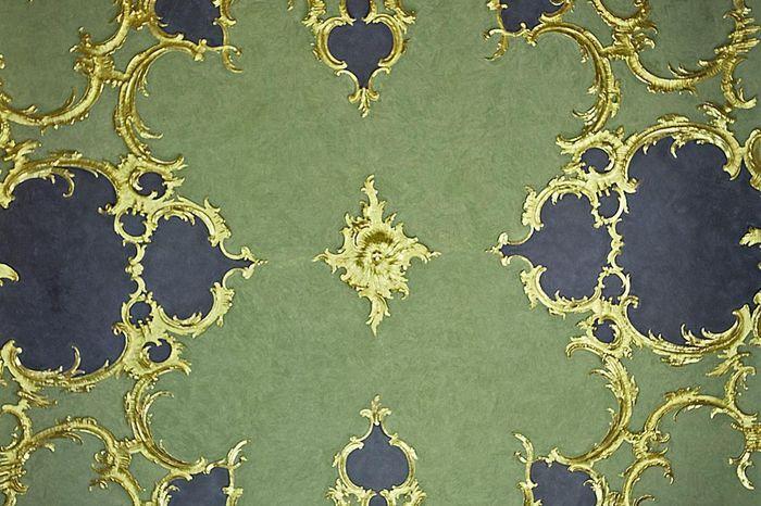 Detail der Decke mit Stuck im Vagantenkabinett im Neuen Schloss Tettnang