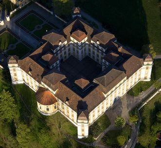 Luftbild des Neuen Schlosses Tettnang