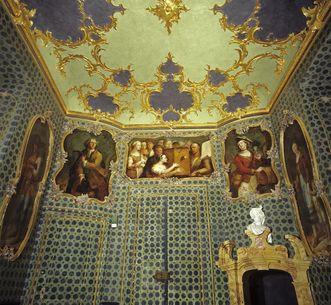 Blick in das Vagantenkabinett des Neuen Schlosses Tettnang