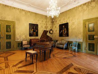 Neues Schloss Tettnang, Erstes Grünes Zimmer mit Cembalo